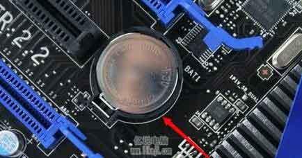 主板上的纽扣电池没电了,影响电脑开机吗